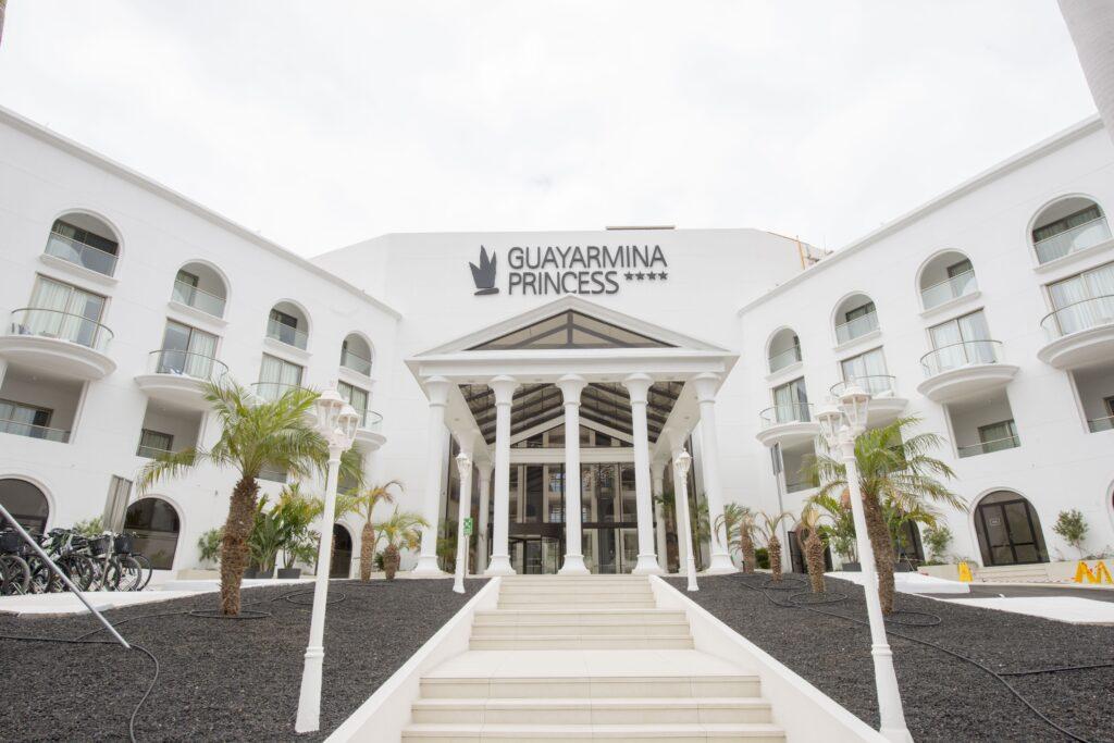 Hotel Guayarmina Princess. Proyecto de Rehabilitación. Dressler Aluminio