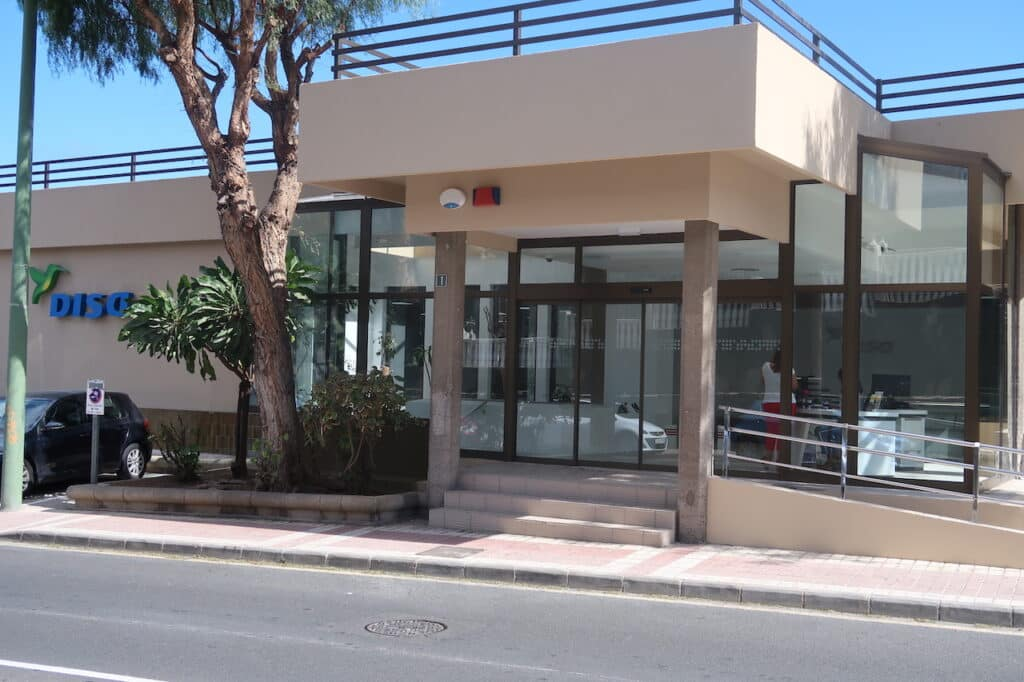 Proyecto para Disa Gran Canaria. Dressler Aluminio